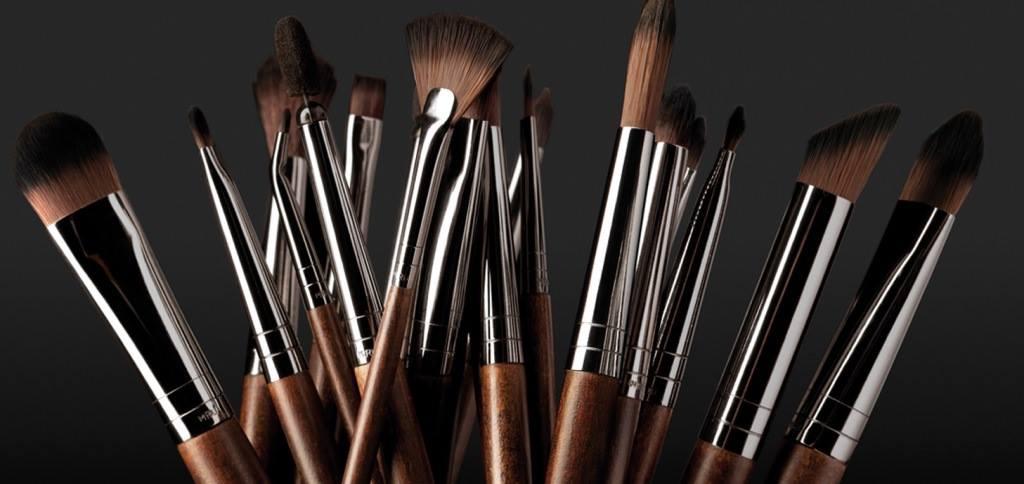Maquillage 101 quoi sert chaque pinceau et banc d 39 essai la vie tout simplement - Pinceaux maquillage utilisation ...
