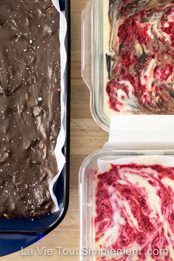 Recette de fudge au chocolat noir, cerises, amandes et fleur de sel |www.lavietoutsimplement.com