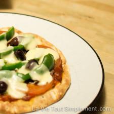Pizza aux légumes du vendredi | Évoilà5 - Un service de prêt-à-cuisiner qui propose des menus avec des recettes simples et équilibrées |lavietoutsimplement.com