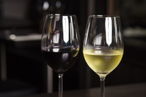 vins rouge et blanc