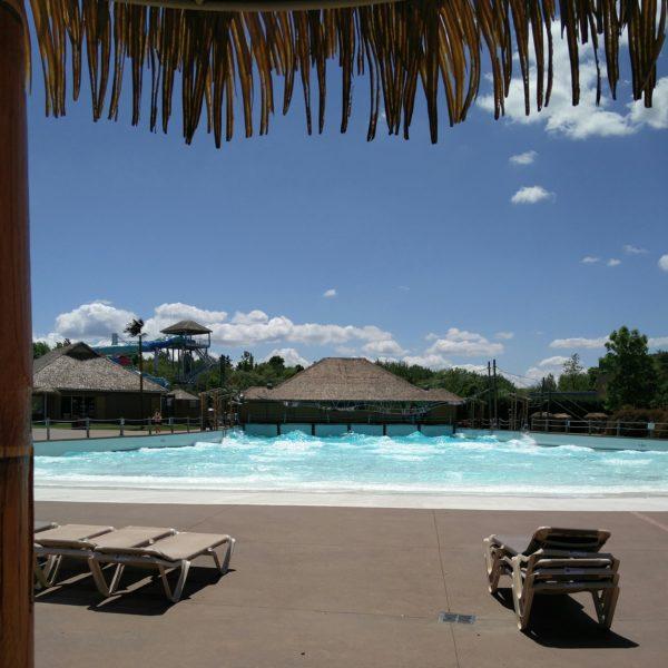 La piscine à vagues du parc aquatique Amazoo du zoo de Granby